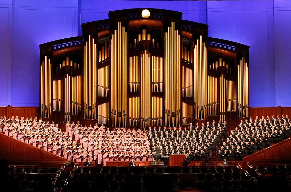 Tabernacle Choir Returns to Temple Square After Easing of COVID-19 Restrictions in Utah