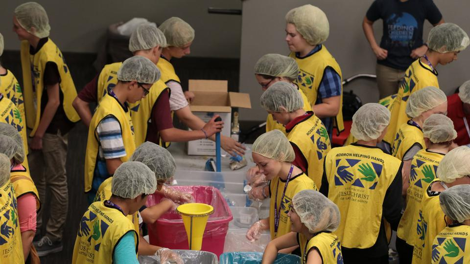 LDS Youth In Canada Makes 174,000 Meals For Those Families Who Are In Need