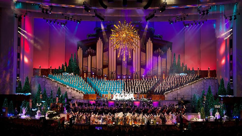 Watch: Santino Fontana and the Mormon Tabernacle Choir in The Wonder of Christmas