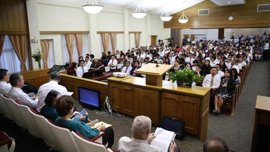 Buendia Chapel Filled to Capacity on Pioneers Night