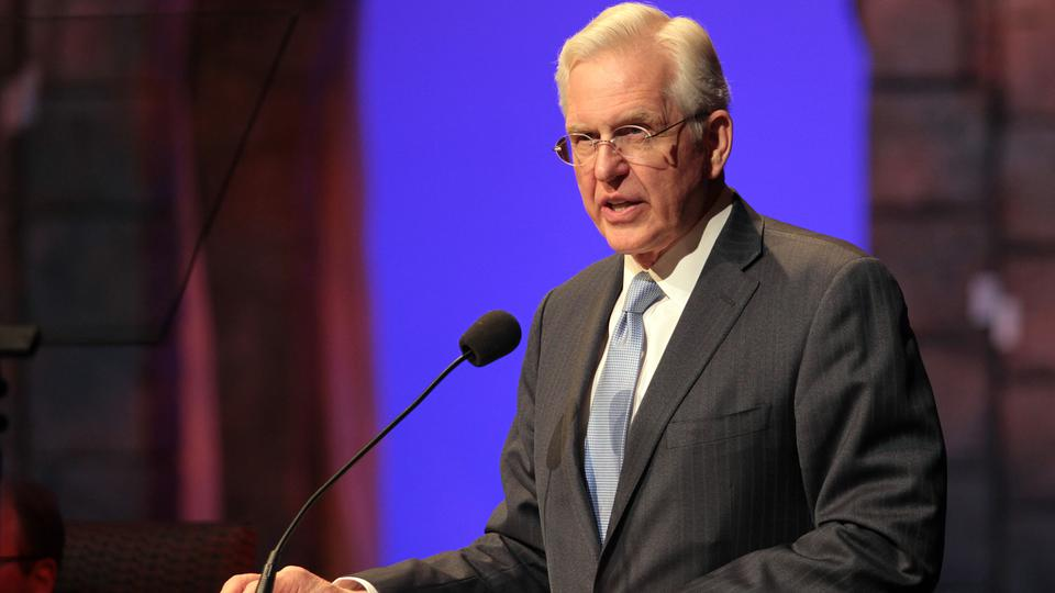 What Elder Christofferson has to Say to Latin Journalist abput Protecting Free Speech