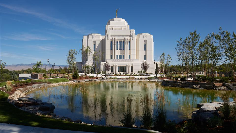 Meridian Idaho Temple Outside