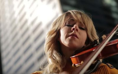 Watch: Lindsey Stirling Releases Heartwarming Christmas Video Dedicated to Hurricane Harvey Relief Efforts