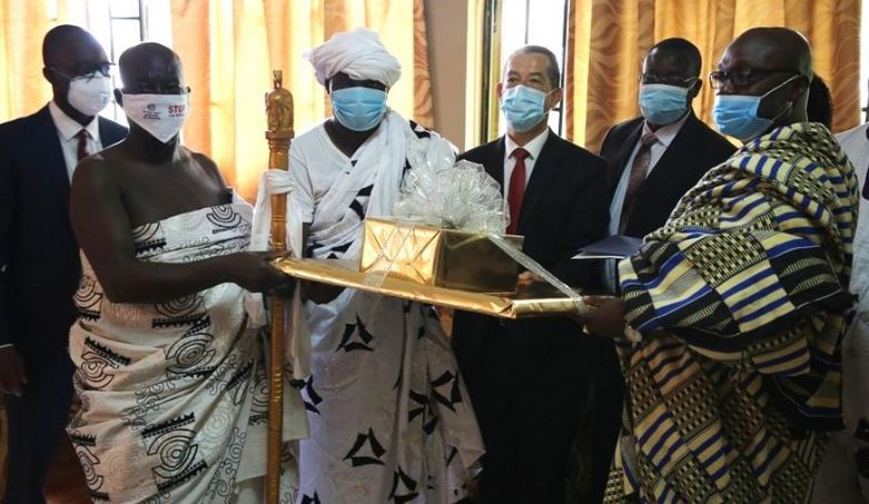 Church Leaders Pay Courtesy Visit to Newly Enthroned African King