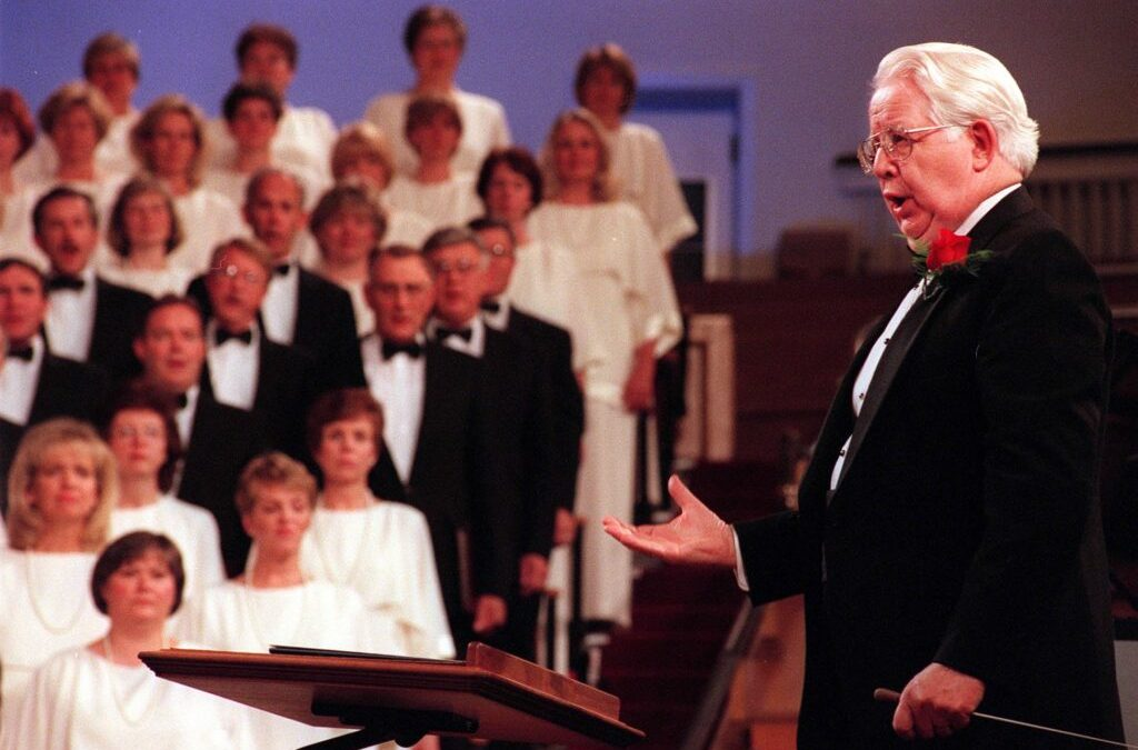 Longtime Tabernacle Choir Director Dies at Age 86 Due to COVID-19