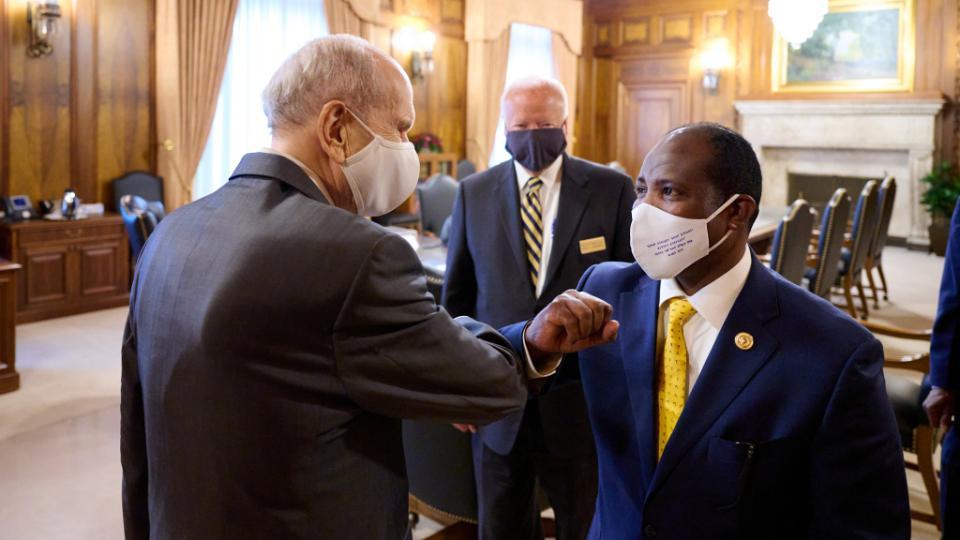 Ethiopian Leader Visits Temple Square